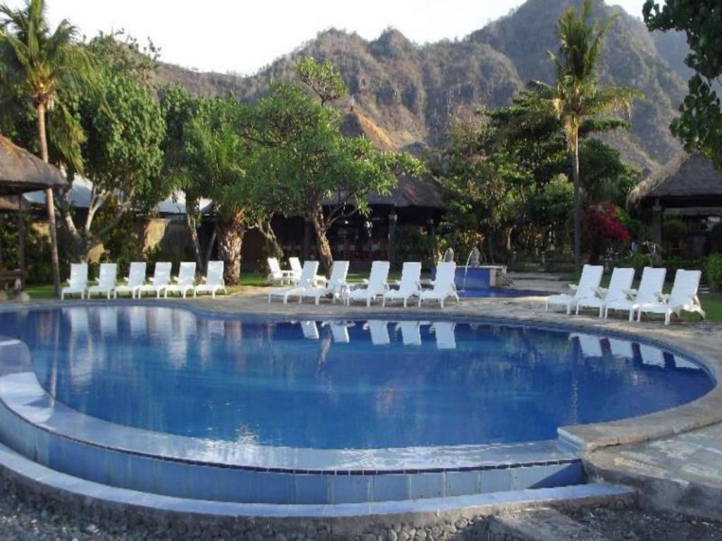 Swimming pool The Liliput Resort and Spa Pemuteran