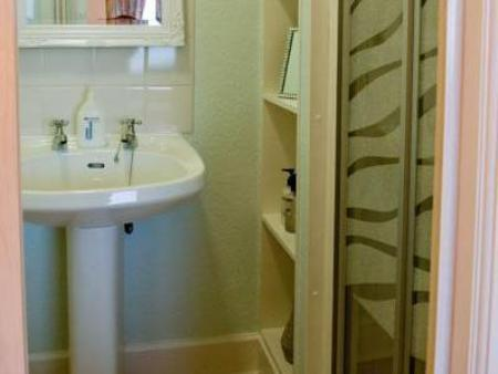 Ocean View Deluxe Double or Twin with En-Suite Wetherby Seaview House Bed & Breakfast