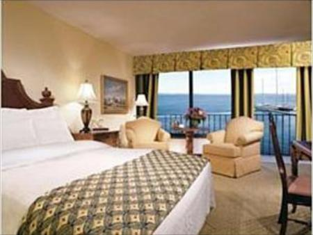 1 King Bed Leisure Non-Smoking Holiday Inn Bar Harbor Regency Hotel