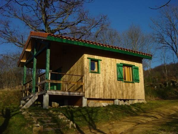 Cabin (3 Adults + 1 Child)