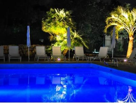 Swimming pool Hotel Restaurant La Vague de Saint Paul & Spa