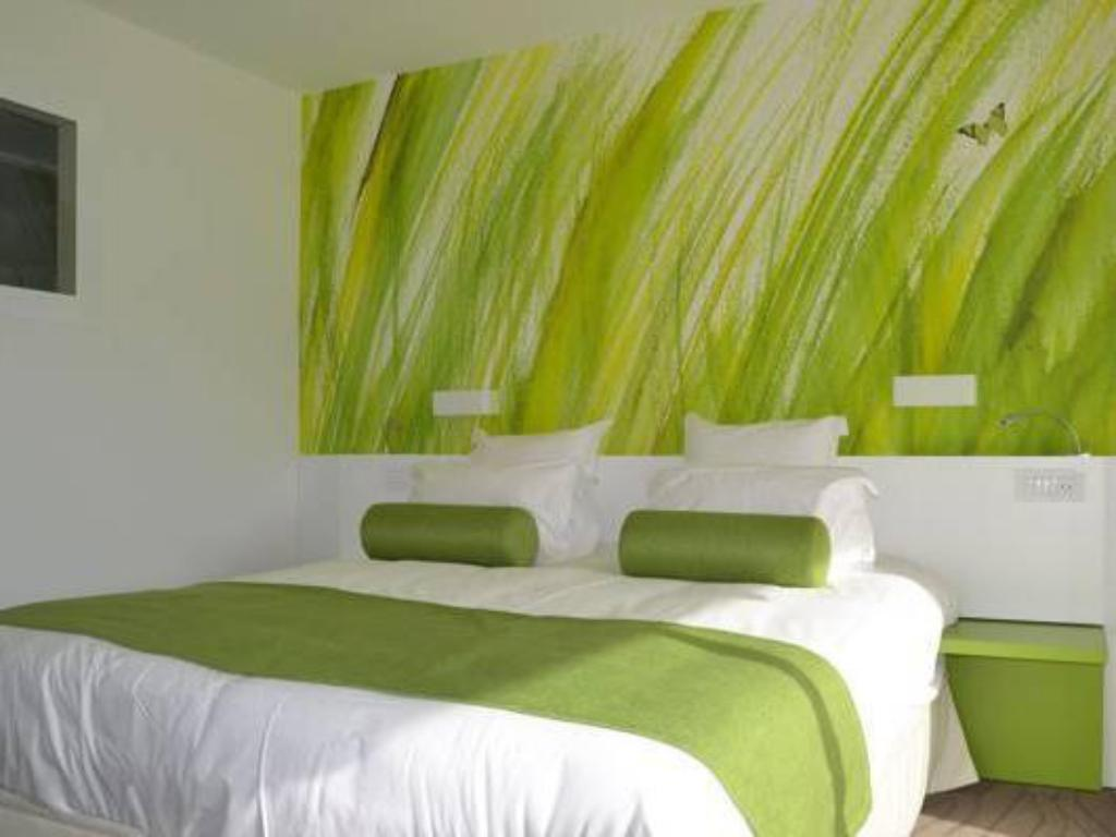 Superior Double Room Hotel Restaurant La Vague de Saint Paul & Spa
