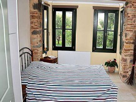Apartament cu 1 dormitor - pe 2 nivele (One-Bedroom Apartment - Split Level)