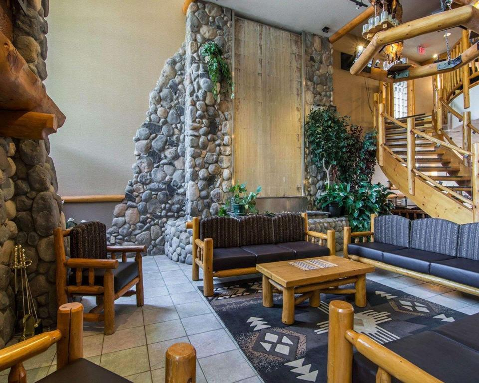 Lobi Quality Resort Chateau Canmore