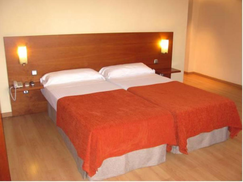 Twin Room Hotel Torre Monreal