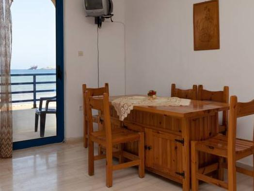 Apartament (2 adulţi + 2 copii) (Apartment (2 Adults + 2 Children))