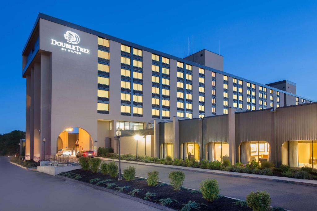 DoubleTree by Hilton Boston North Shore Hotel