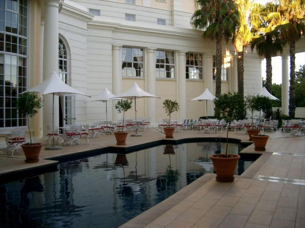 Swimming pool Southern Sun The Cullinan