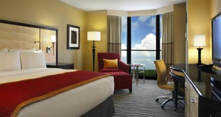 1 King Bed Junior Suite Hilton Rosemont Chicago O'Hare Hotel