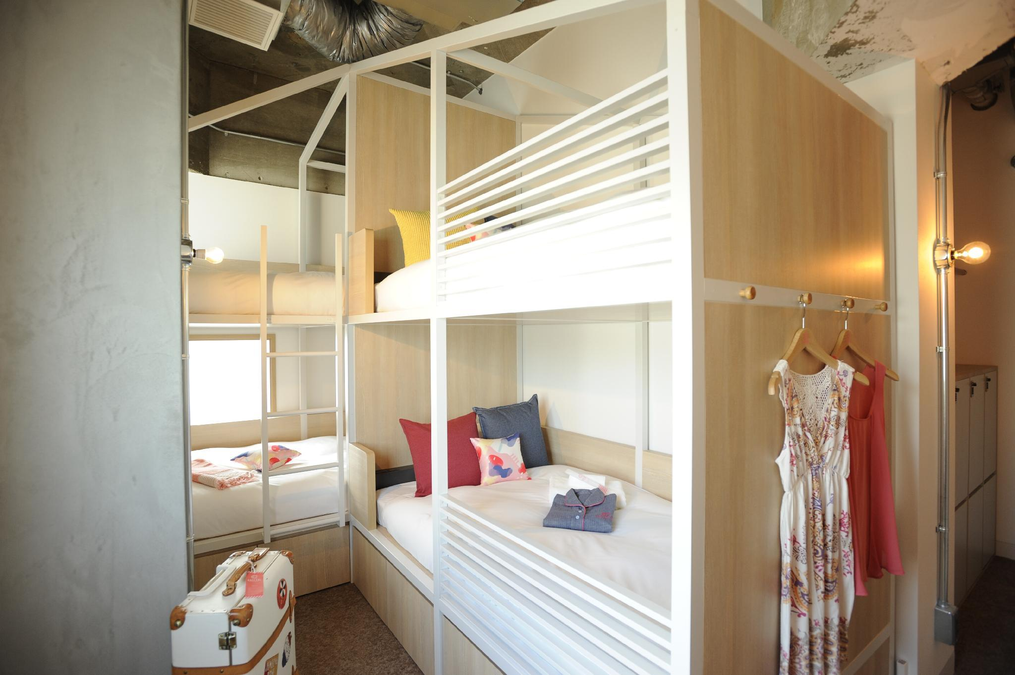 Private Room for 3 People with 2 Bunk Beds - Female Only