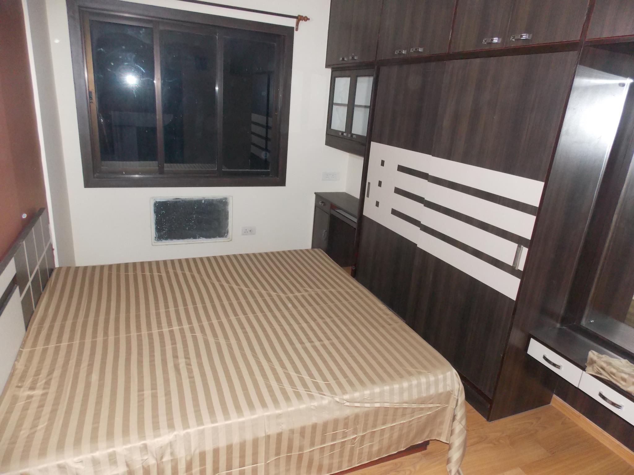 Apartment (130 M²), 2 Schlafzimmer Und 2 Eigene Badezimmer In Rajarhat Im  Detail