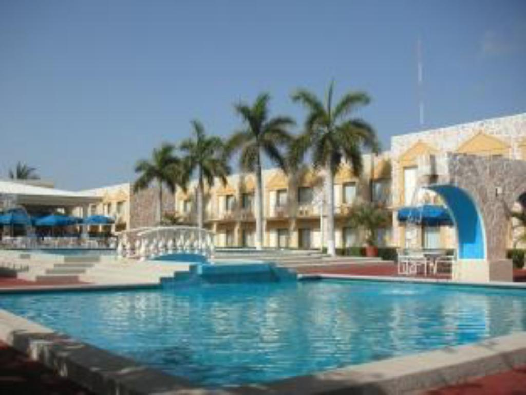 Holiday inn express cancun zona hotelera hotel in mexico - Holiday inn hotels with swimming pool ...