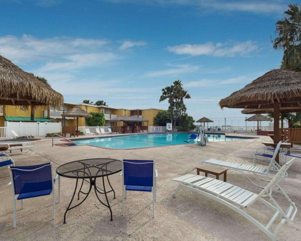 Peldbaseins [āra] Quality Inn and Suites on the Beach Corpus Christi