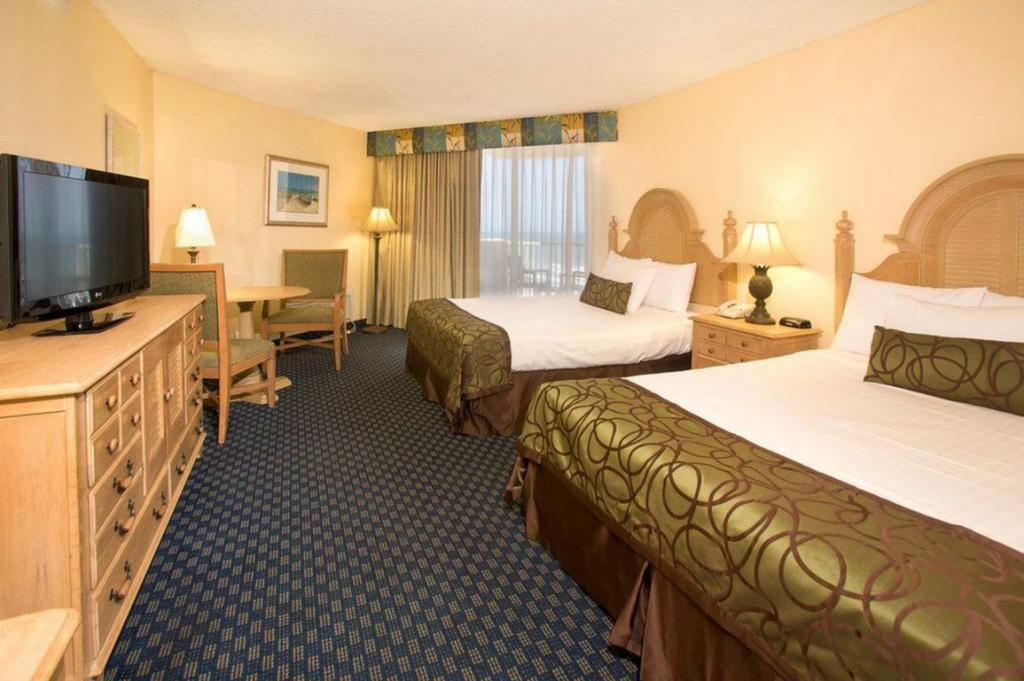 2 Queen Beds with River View Ocean Breeze Club Hotel
