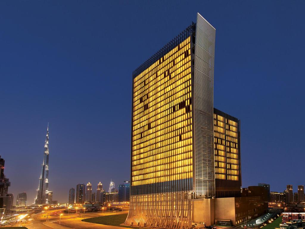 Best price on the oberoi hotel dubai the oberoi dubai in for Dubai finest hotel