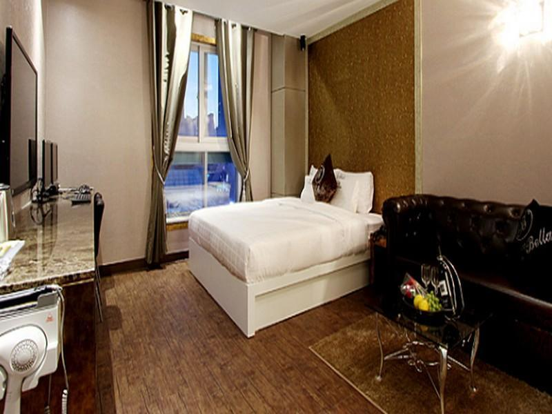 Deluxe Double Room City View