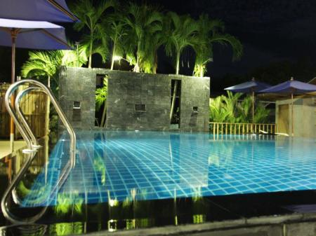 Swimming pool Tique Series Boutique Resort