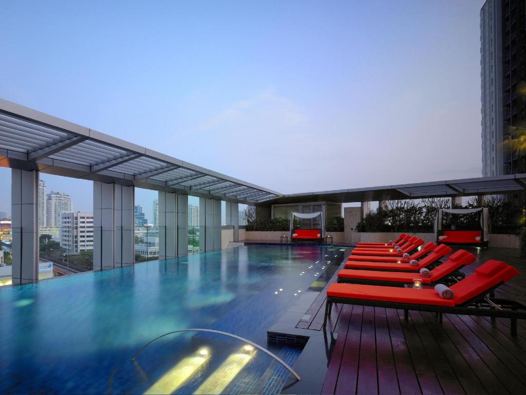 Außenpool Marriott Executive Apartments Bangkok, Sukhumvit Thonglor