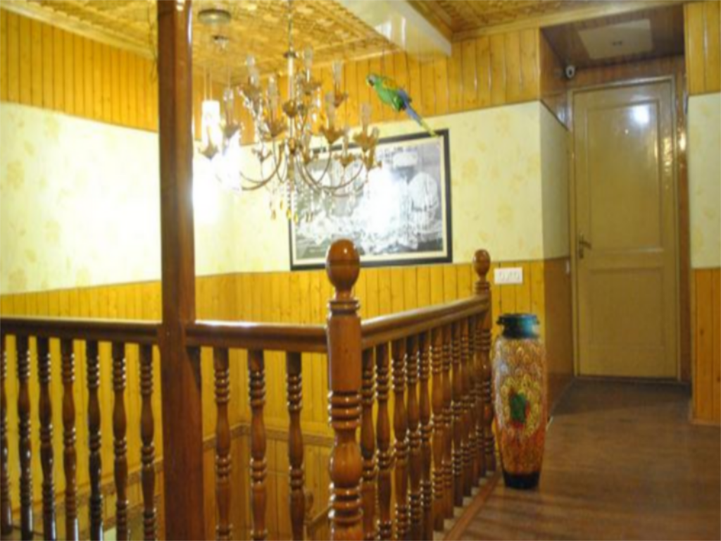 Interior view Hotel Khaleel Palace
