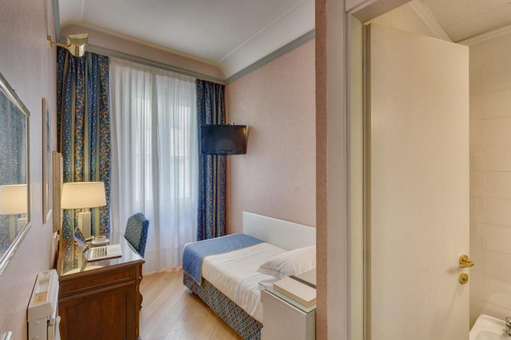 Single Room - Guestroom Hotel Rivoli