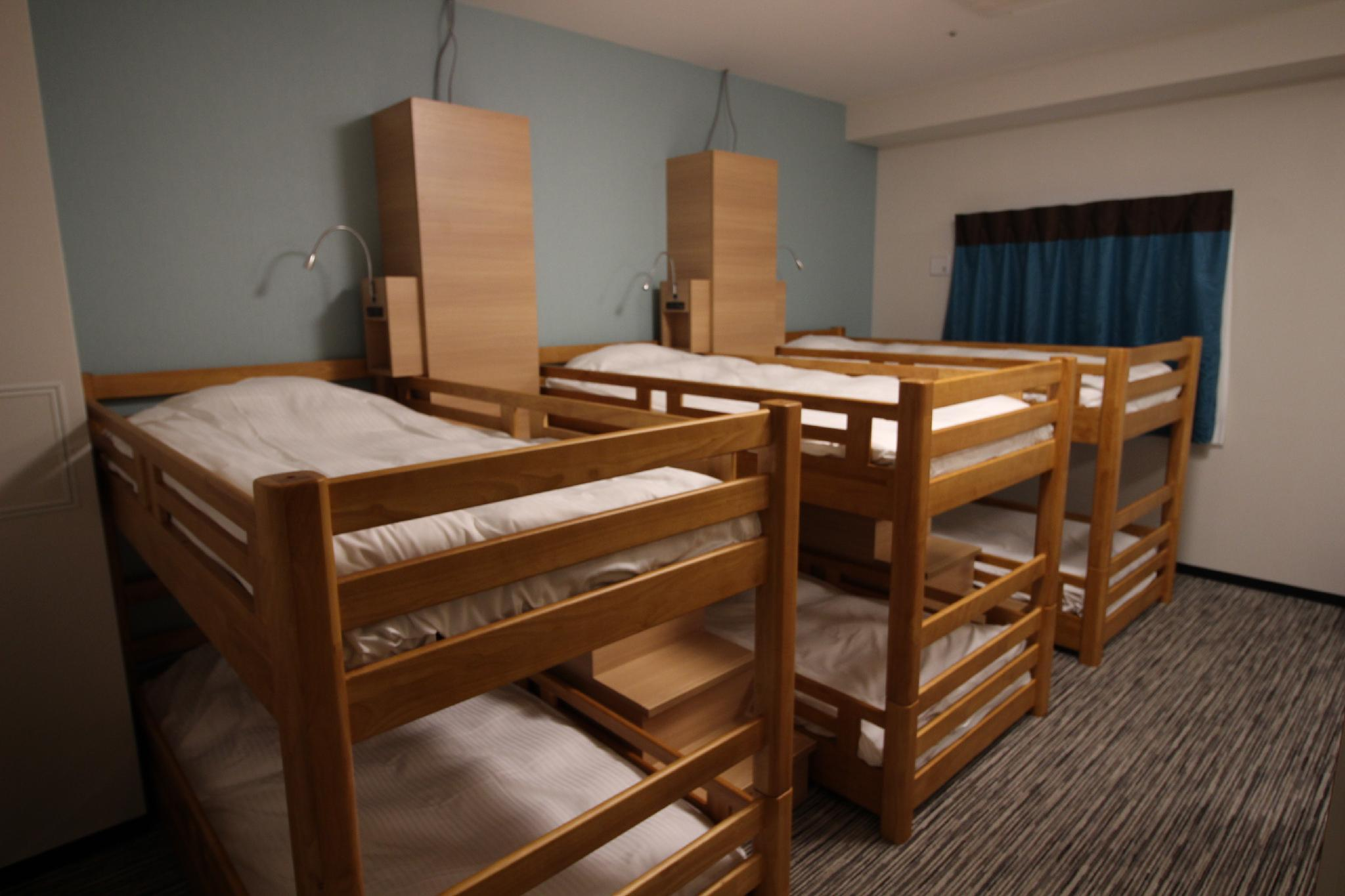 Family Room C for 5 People with 3 Bunk Beds - Non-Smoking