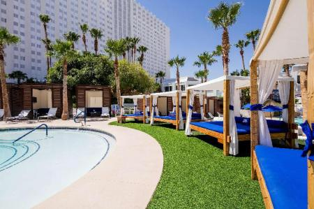 Swimming pool [outdoor] Tropicana Las Vegas - a DoubleTree by Hilton Hotel