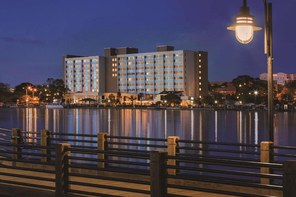 Hotel Ballast Wilmington Tapestry Collection By Hilton In