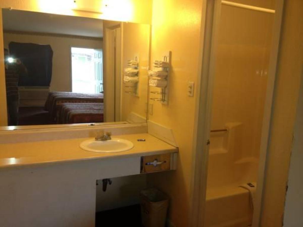 Relax Inn Dublin Motel (Dublin (TX)) - Deals, Photos & Reviews