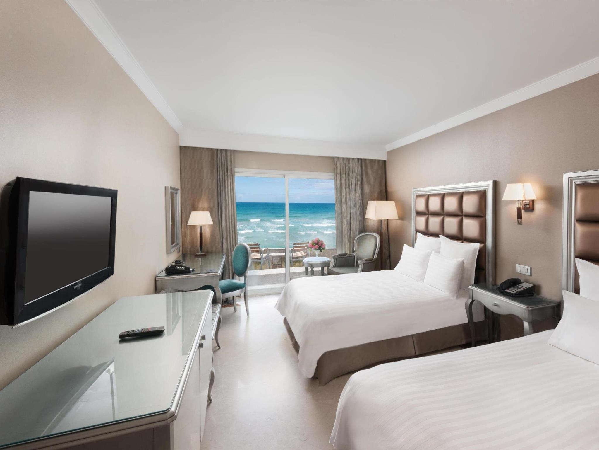 Twin Deluxe Room Seaview