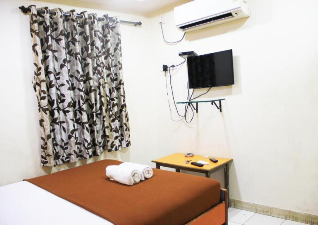 Double Air Conditioning Sana Residency