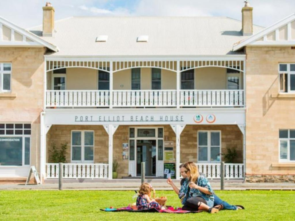 More about Port Elliot Beach House YHA Hostel