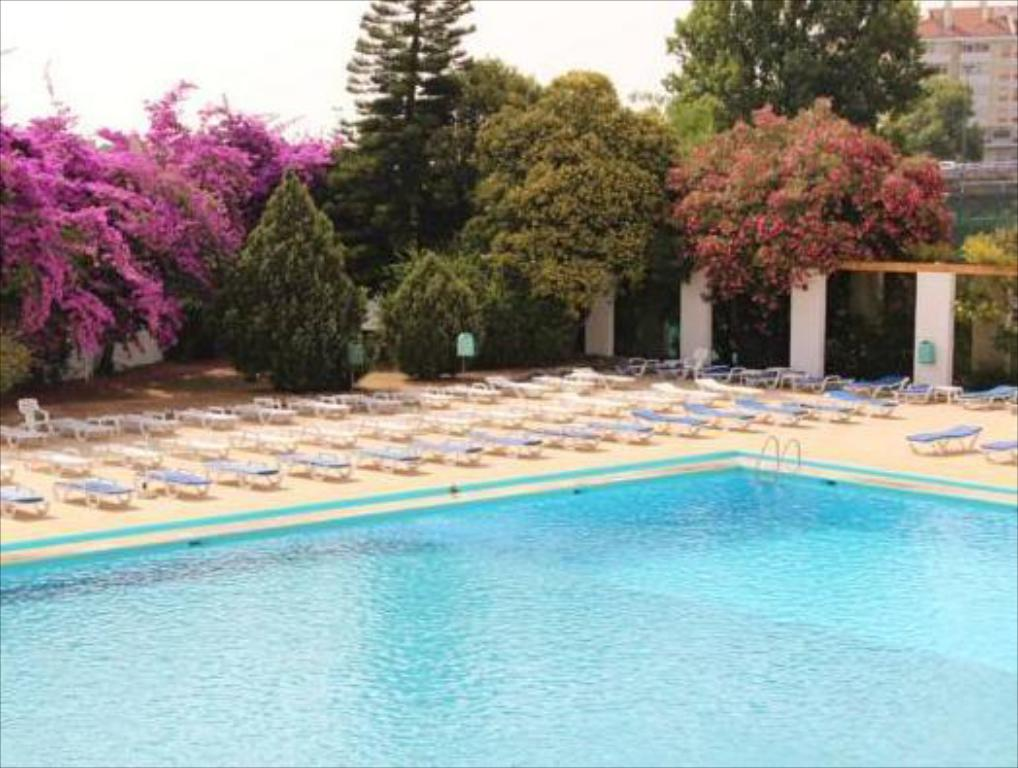 Olaias park hotel in lisbon room deals photos reviews for Lisbon boutique hotel swimming pool