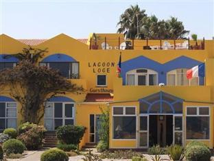 Lagoon Loge Guesthouse