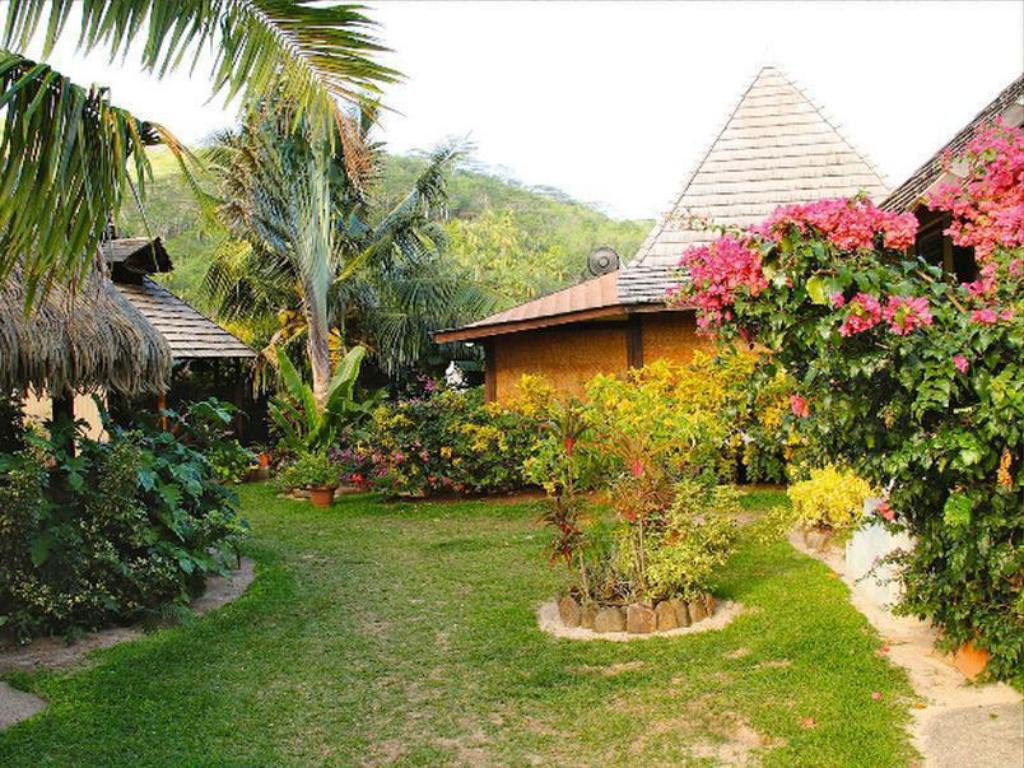 Bungalow with Garden View(2 double bed) Pension Fare Aute