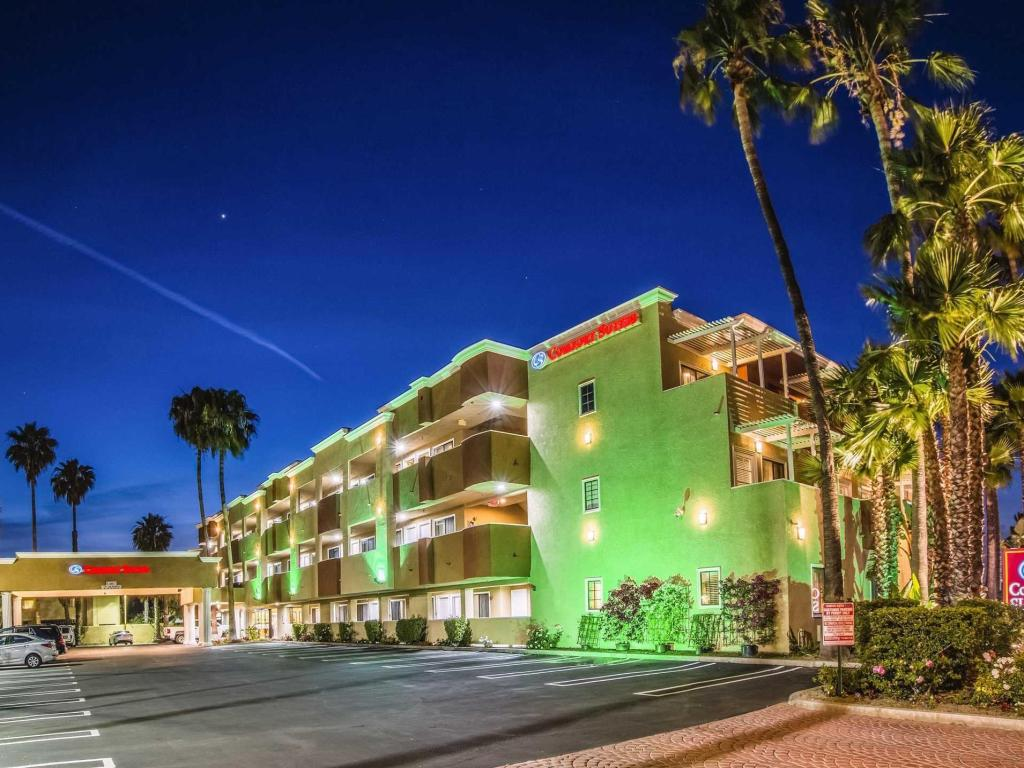 More about Comfort Suites Huntington Beach