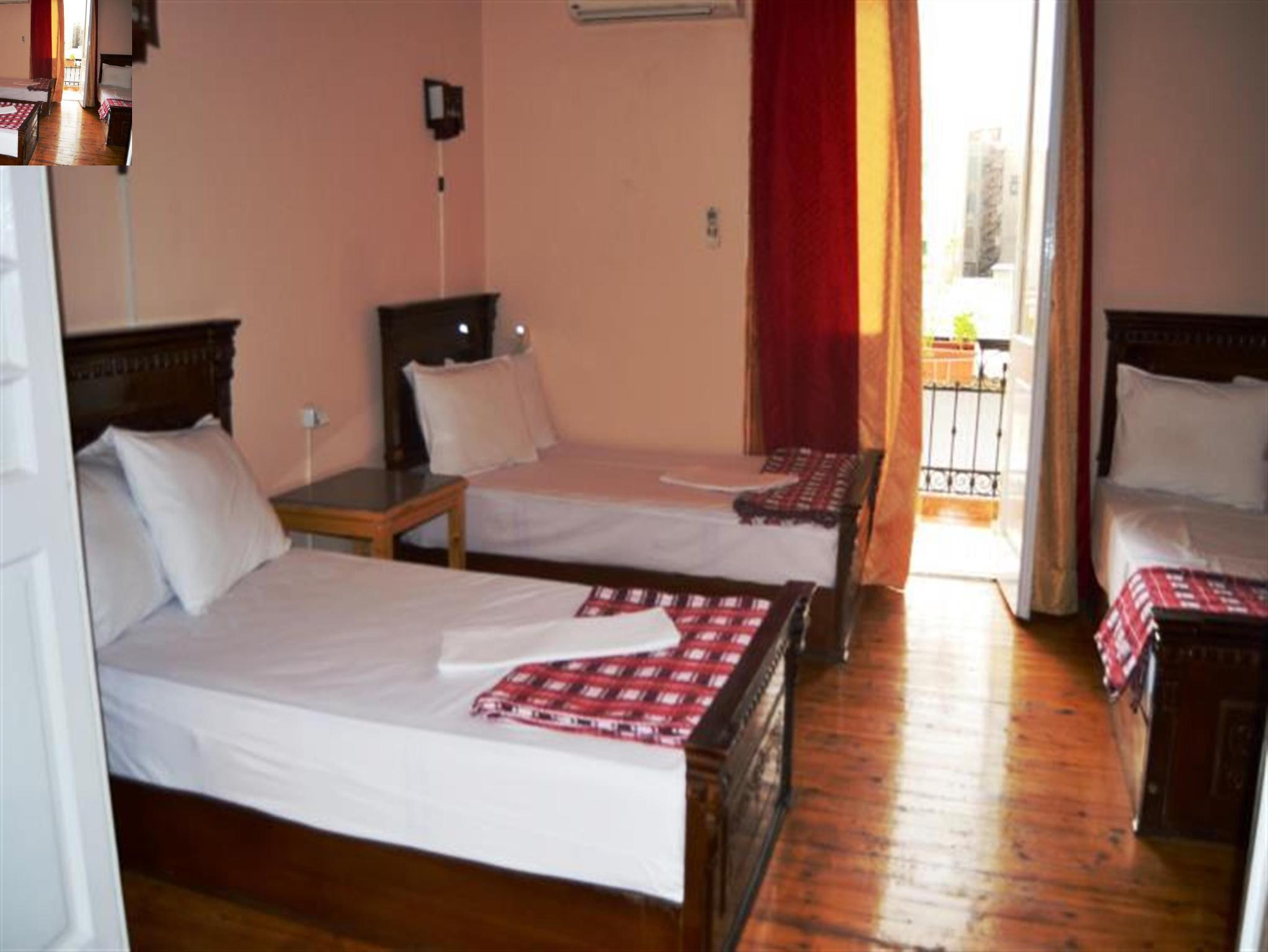 1 Llit en Dormitori de 6 Llits (Dormitory Room with Air Condition )