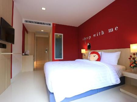 Hotellet från insidan Sleep with Me Hotel Design Hotel at Patong