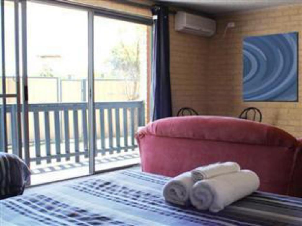 Family Room - Interior view Lancelin Beach Hotel
