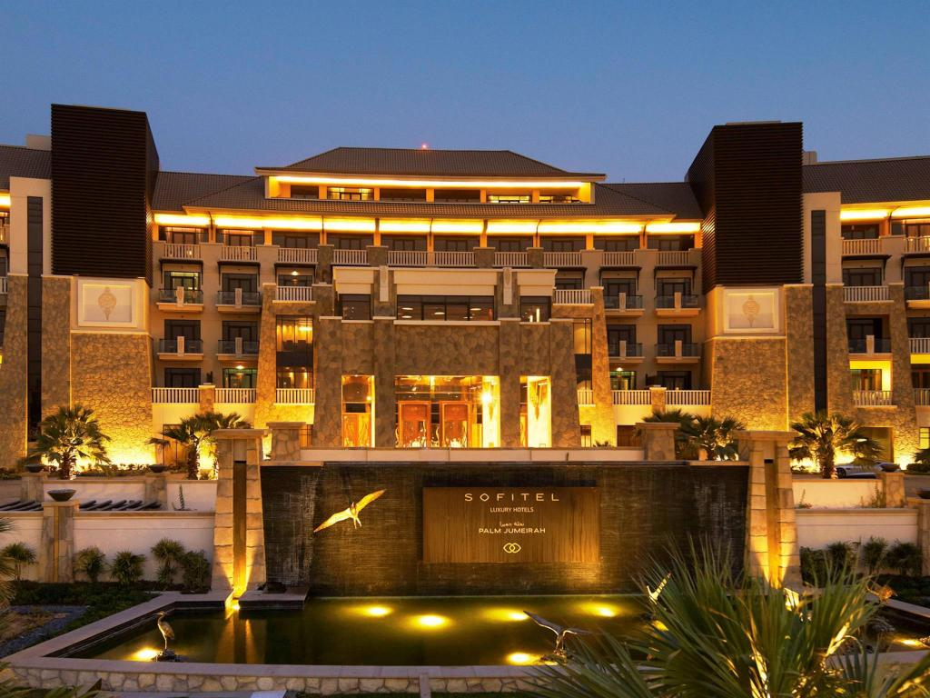 Best price on sofitel dubai the palm resort and spa in for Dubai the best hotel