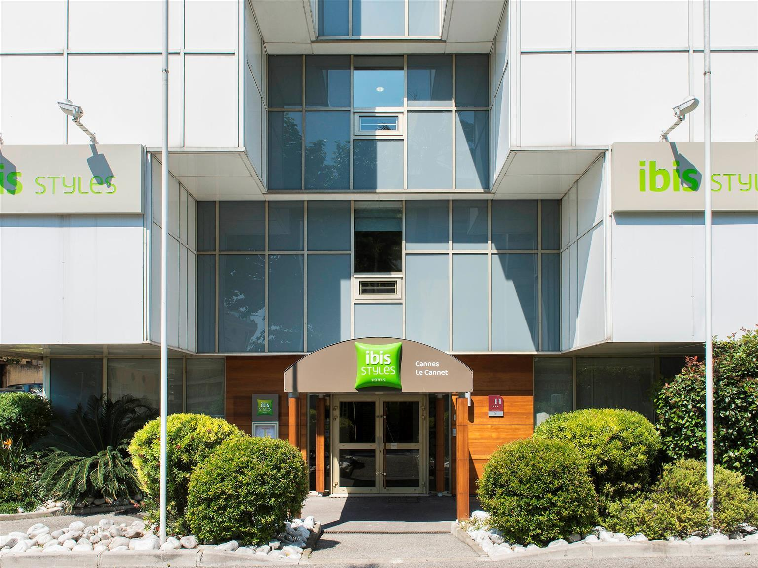 ibis styles cannes le cannet hotel france room deals reviews rh agoda com