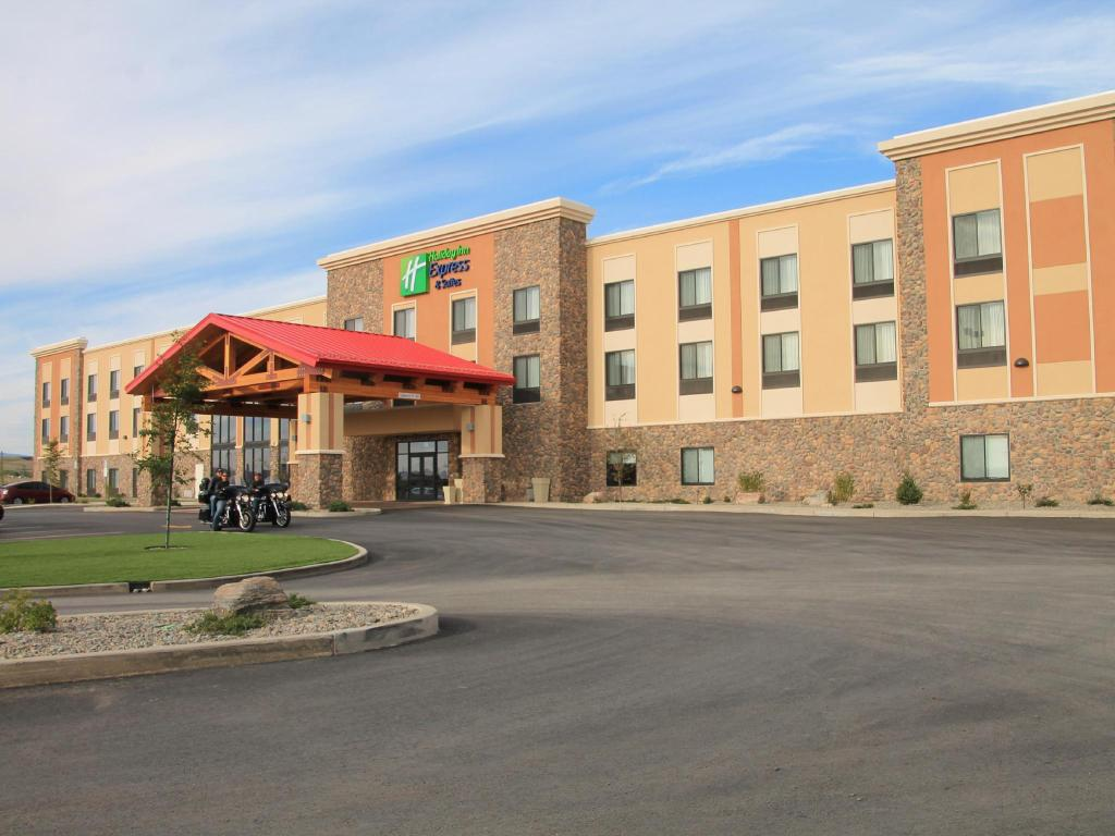 More About Holiday Inn Express And Suites Browning