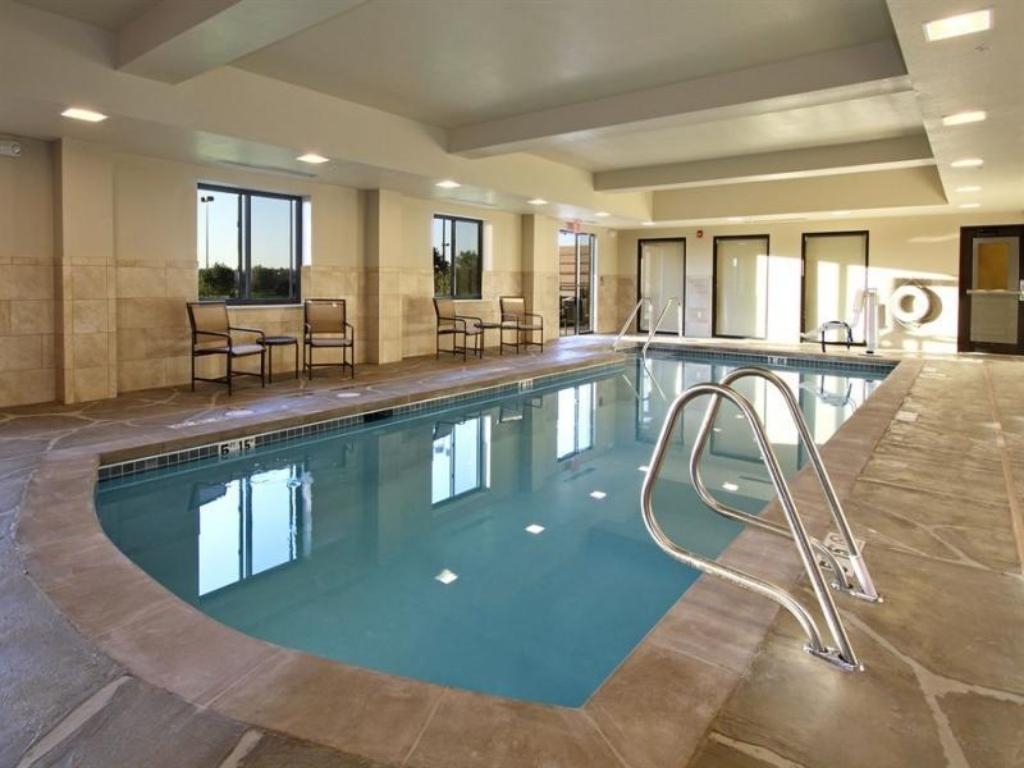 Swimming pool Holiday Inn Express - Colorado Springs - First & Main