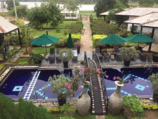 Flower Garden Lake Resort