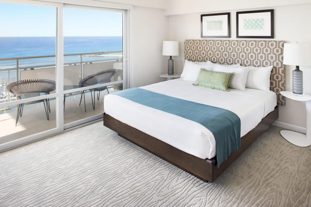 best price on ilikai hotel and luxury suites in oahu. Black Bedroom Furniture Sets. Home Design Ideas