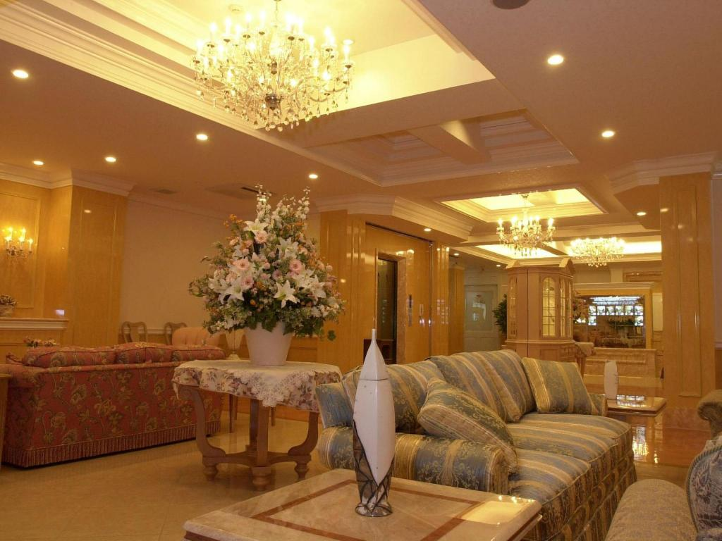 Лоби Hotel Fine Garden Matsuyama Free Parking - Adult Only