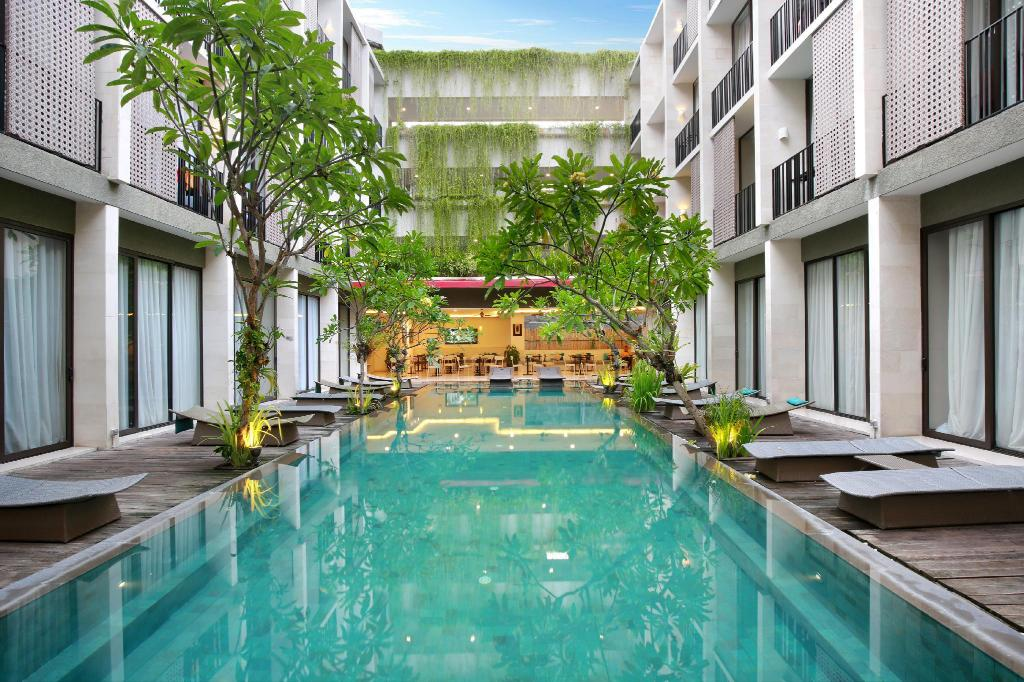 Swimming pool [outdoor] Hotel Terrace at Kuta