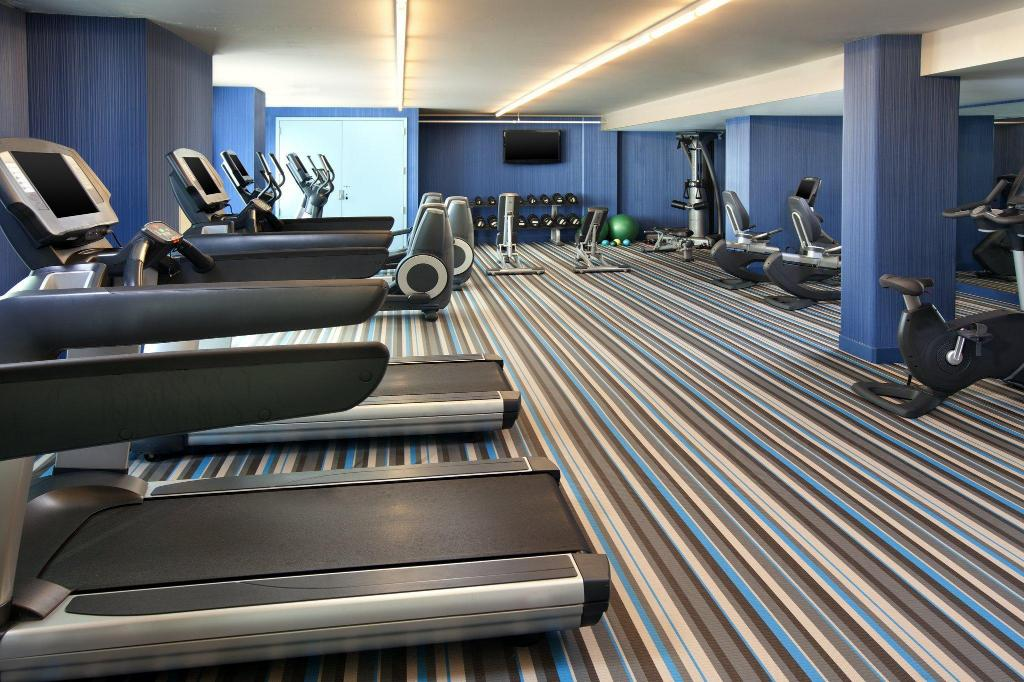 Fitness center Aloft San Francisco Airport