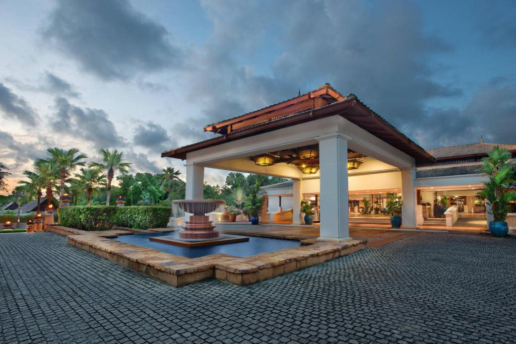 More about Marriott's Phuket Beach Club