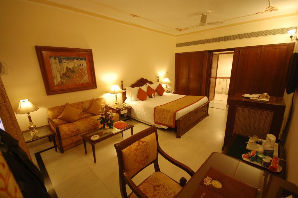 Palace Room - Guestroom Shiv Niwas Palace by HRH Group of Hotels