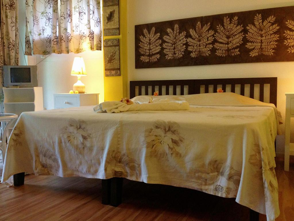 Ground Floor Room - Bed Romance Bungalows